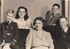 Ruth and Herman Duncan with their children, from left, George, Sara, and Leonard. Early 1940s, probably in Oregon.